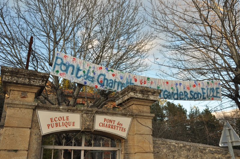 Photo of UZÈS Ecole du Pont-des-Charrettes : la mairie change les serrures, les parents s'indignent
