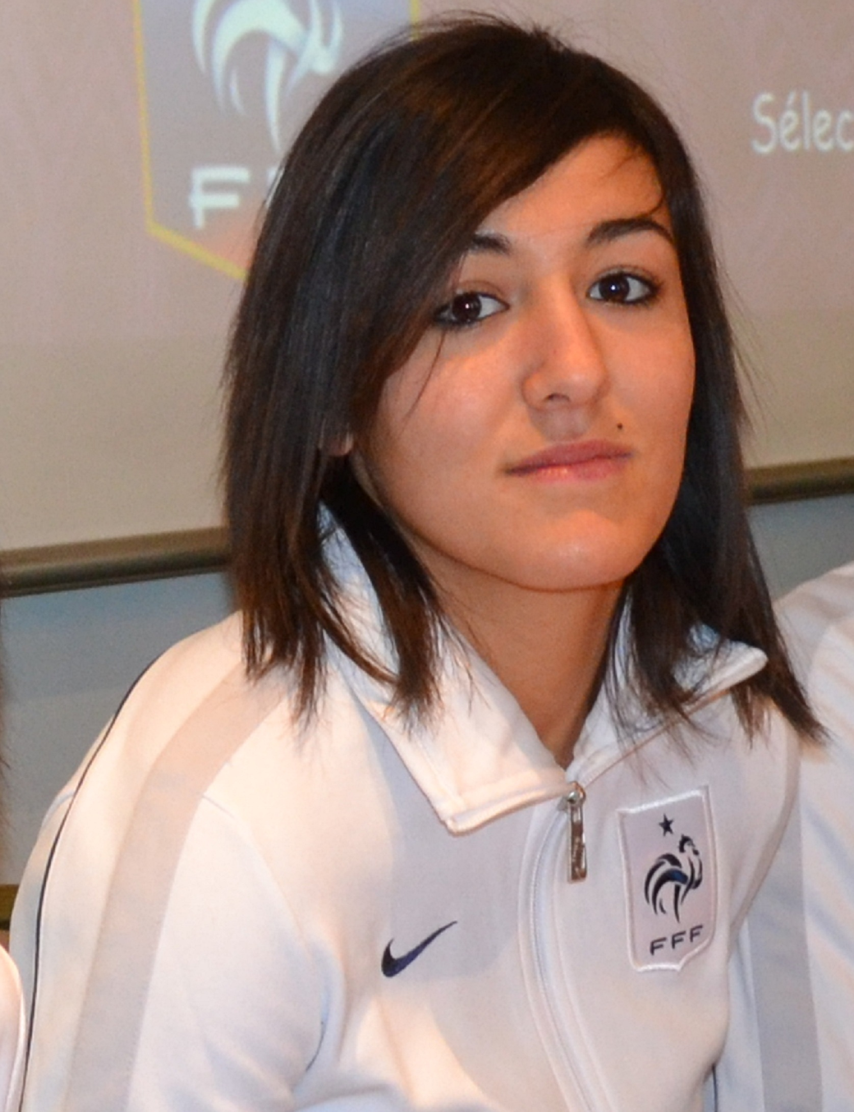 Photo of LE PORTRAIT DU DIMANCHE : KELLY GADEA, LA PASSION DU FOOTBALL