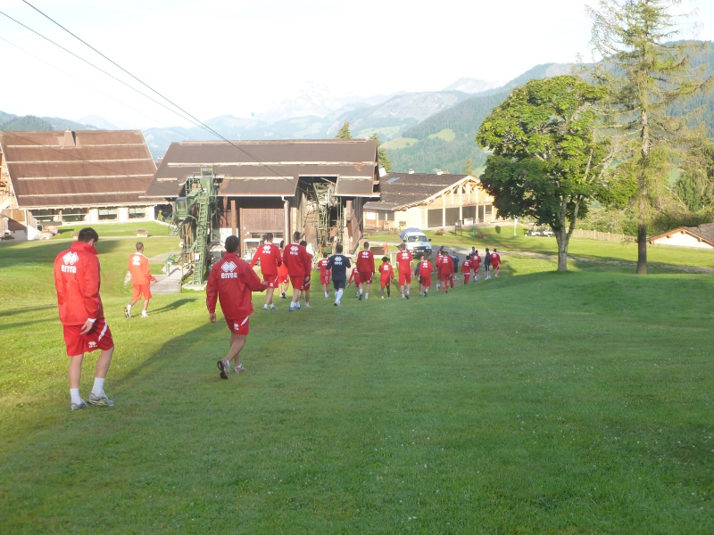 Photo of FOOTBALL / Stage à Megève : Les Crocos montrent les dents dès 7h00 le matin…