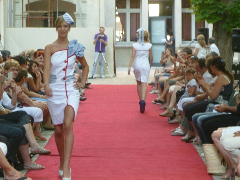 Photo of NÎMES : Un défilé de mode version « Russe » à Saint-Vincent-de-Paul…