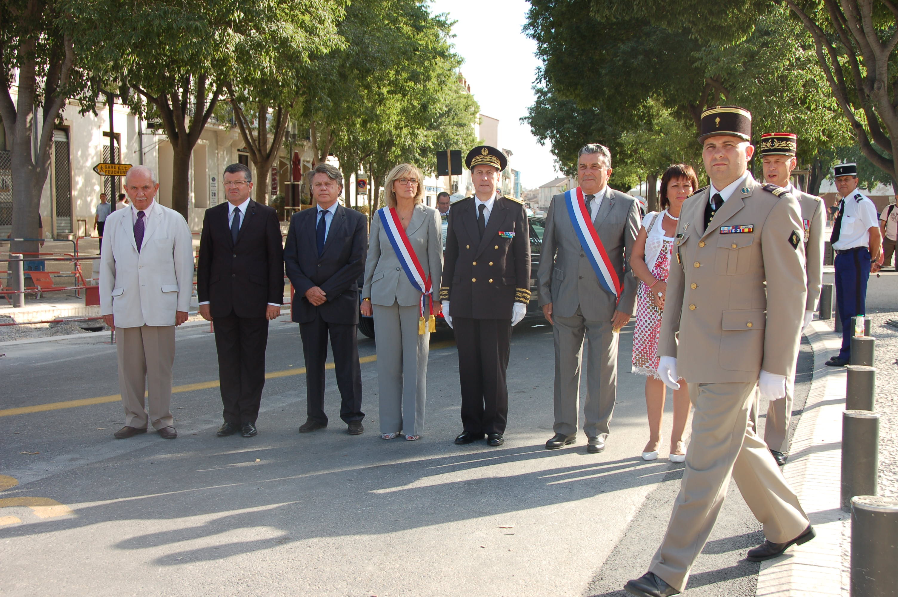 Photo of FÊTE NATIONALE 2012 : Plus de 200 militaires défilent boulevard de la Libération à Nîmes