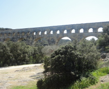"PONT DU GARD Ensemble Gard dit ""non à la privatisation"" du site"