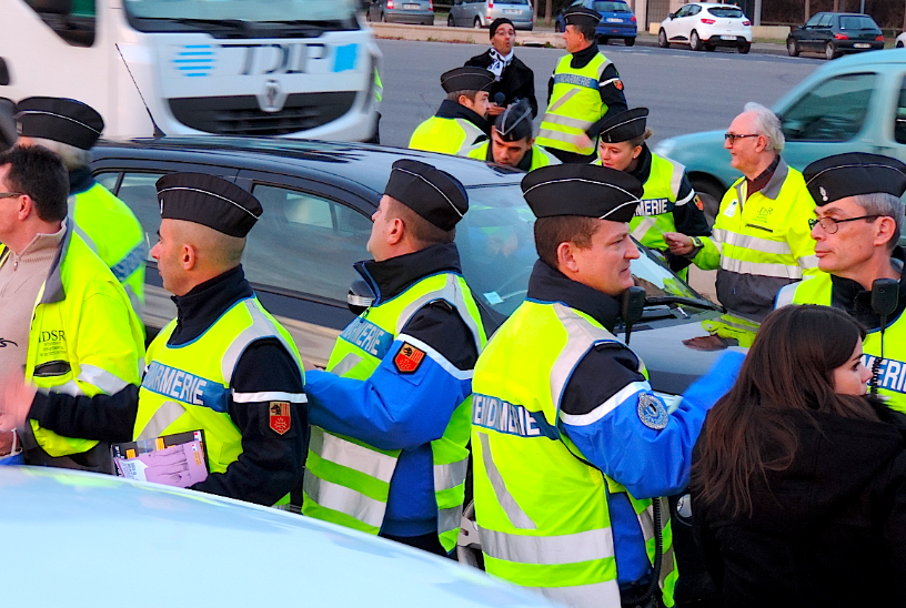 Photo of REVEILLON. Gard : Plus de 300 gendarmes et agents de police sur les routes