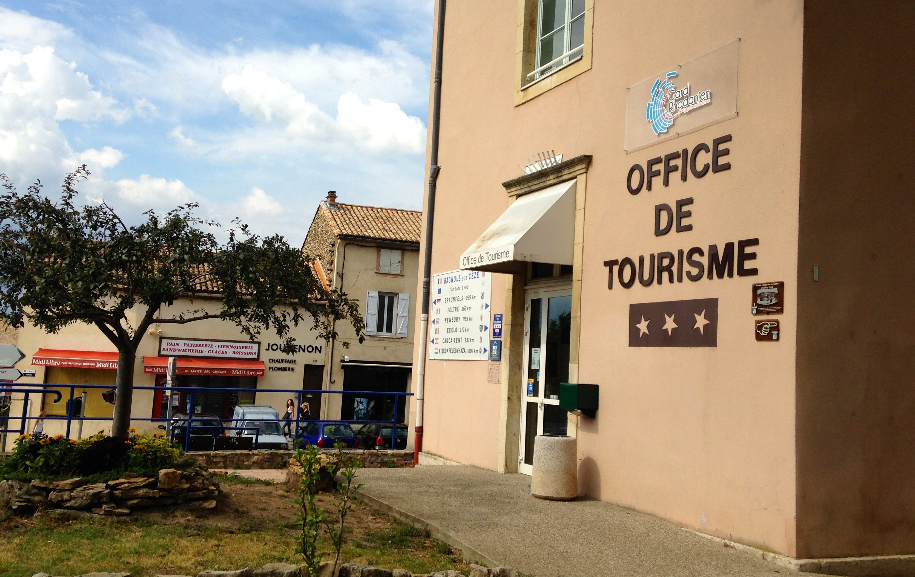 Gard rhodanien dans les offices de tourisme on attend - Office du tourisme seignosse le penon ...