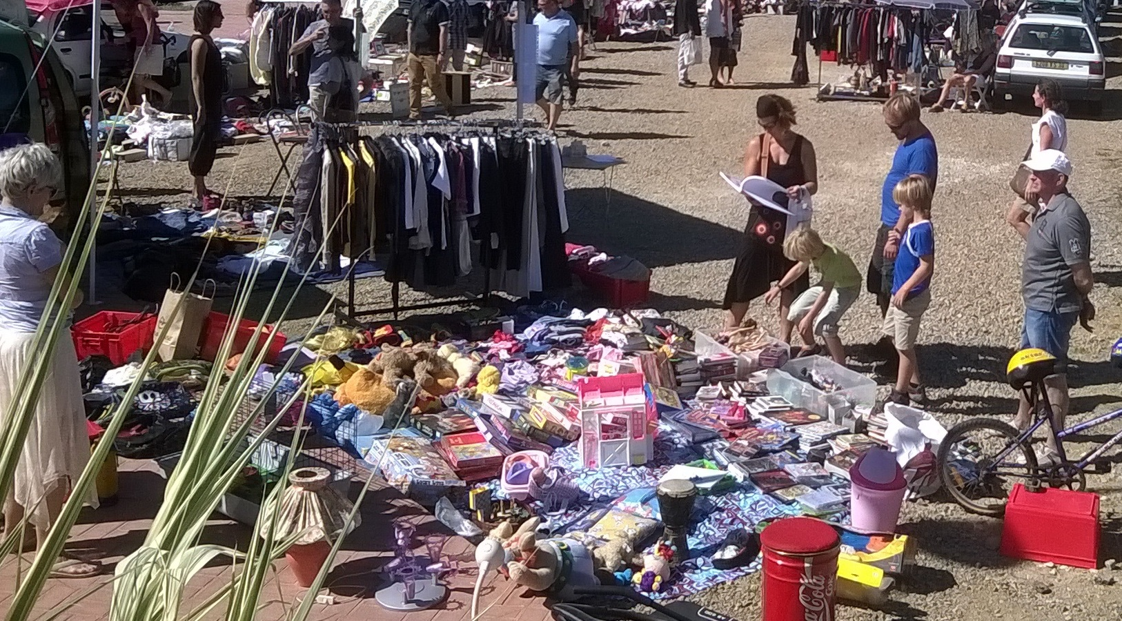 Photo of SAINT-COMES Un vide-grenier en plein Courants d'air