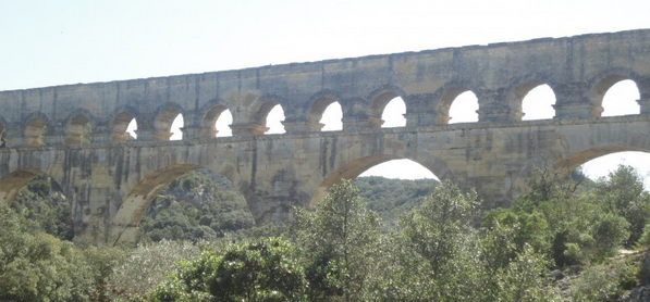 Photo of DU CÔTÉ DU PONT-DU-GARD Sorties et bons plans, du 24 au 26 avril 2015 !