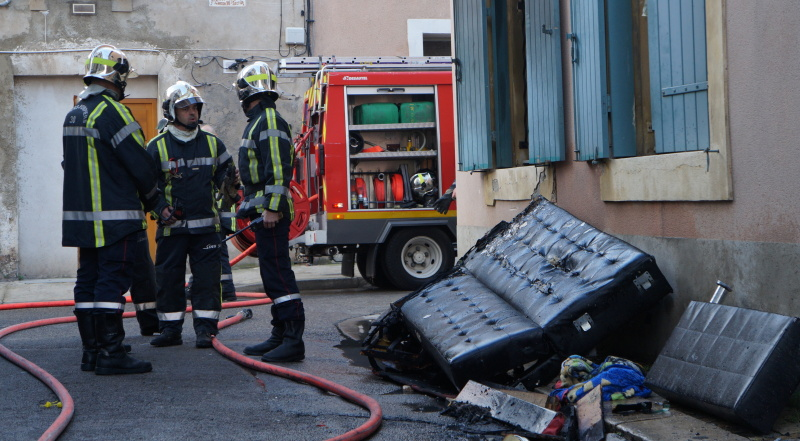 Photo d'illustration d'un incendie d'appartement. (Photo Baptiste Manzinali / Objectif Gard)