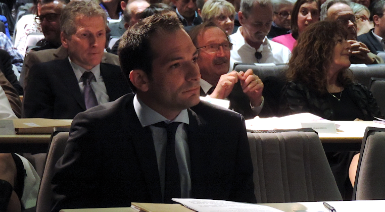 Photo of INTERVIEW Vauvert : Nicolas Meizonnet (FN) cherche encore ses marques