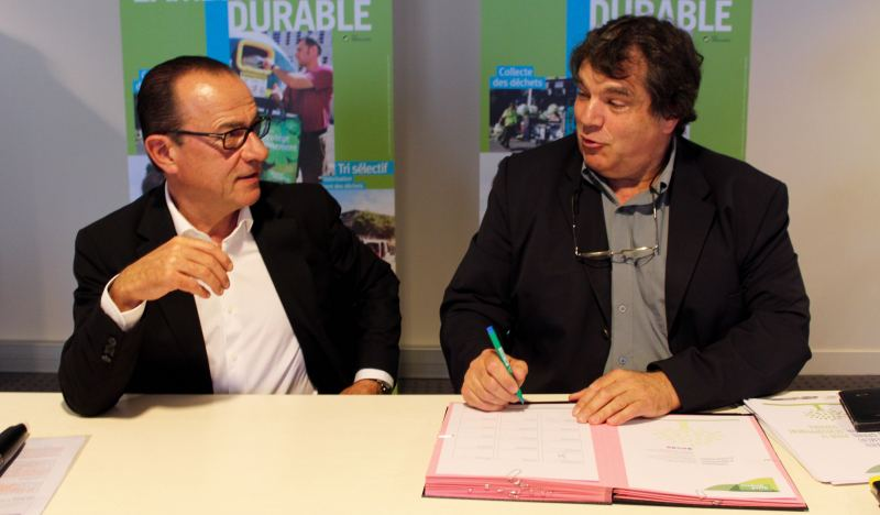 Jean-Marc Roubaud et Jacques Demanse ont signé la convention (Photo : Thierry Allard / Objectif Gard)