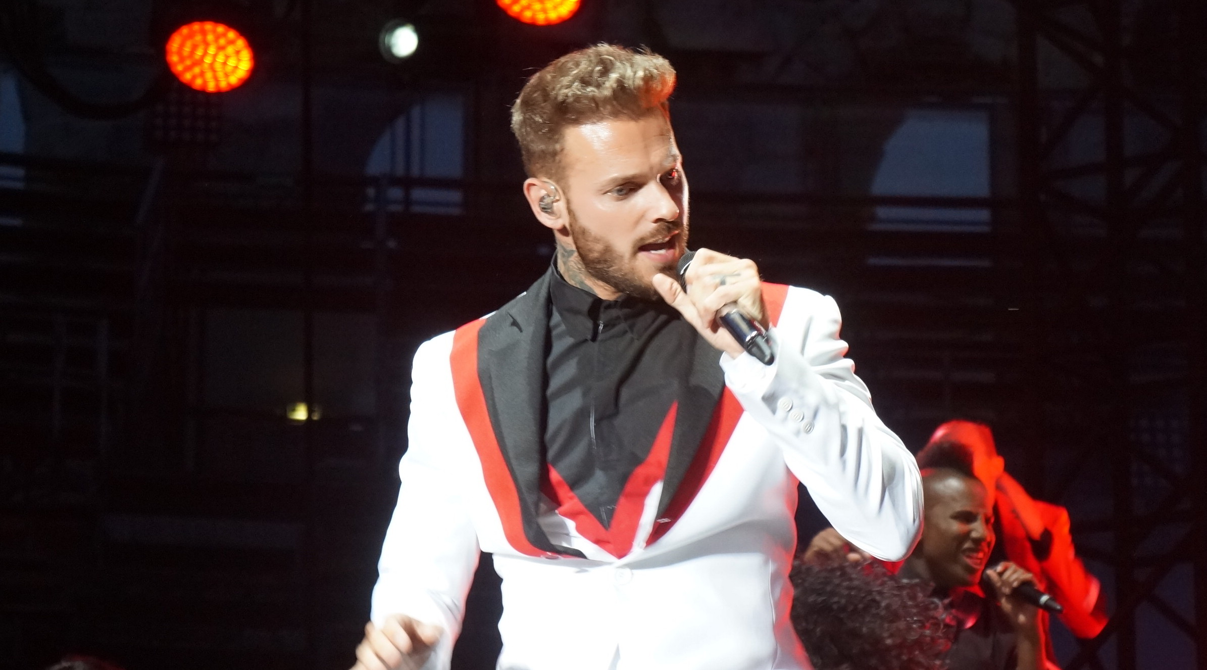Photo of EN IMAGES Matt Pokora aux Arènes de Nîmes