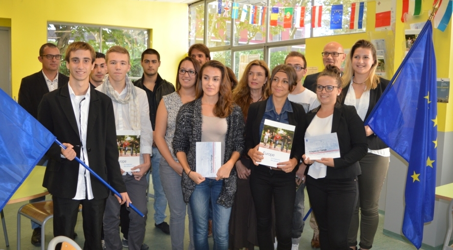 Photo of NÎMES Un kiosque dédié à l'Europe inauguré au lycée de la CCI