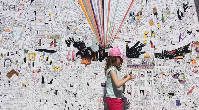 Le mur à colorier (Photo Anthony Maurin).