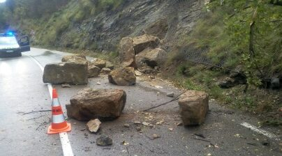 Photo of ÉBOULEMENT La RN 106 coupée entre Alès et La Grand'Combe