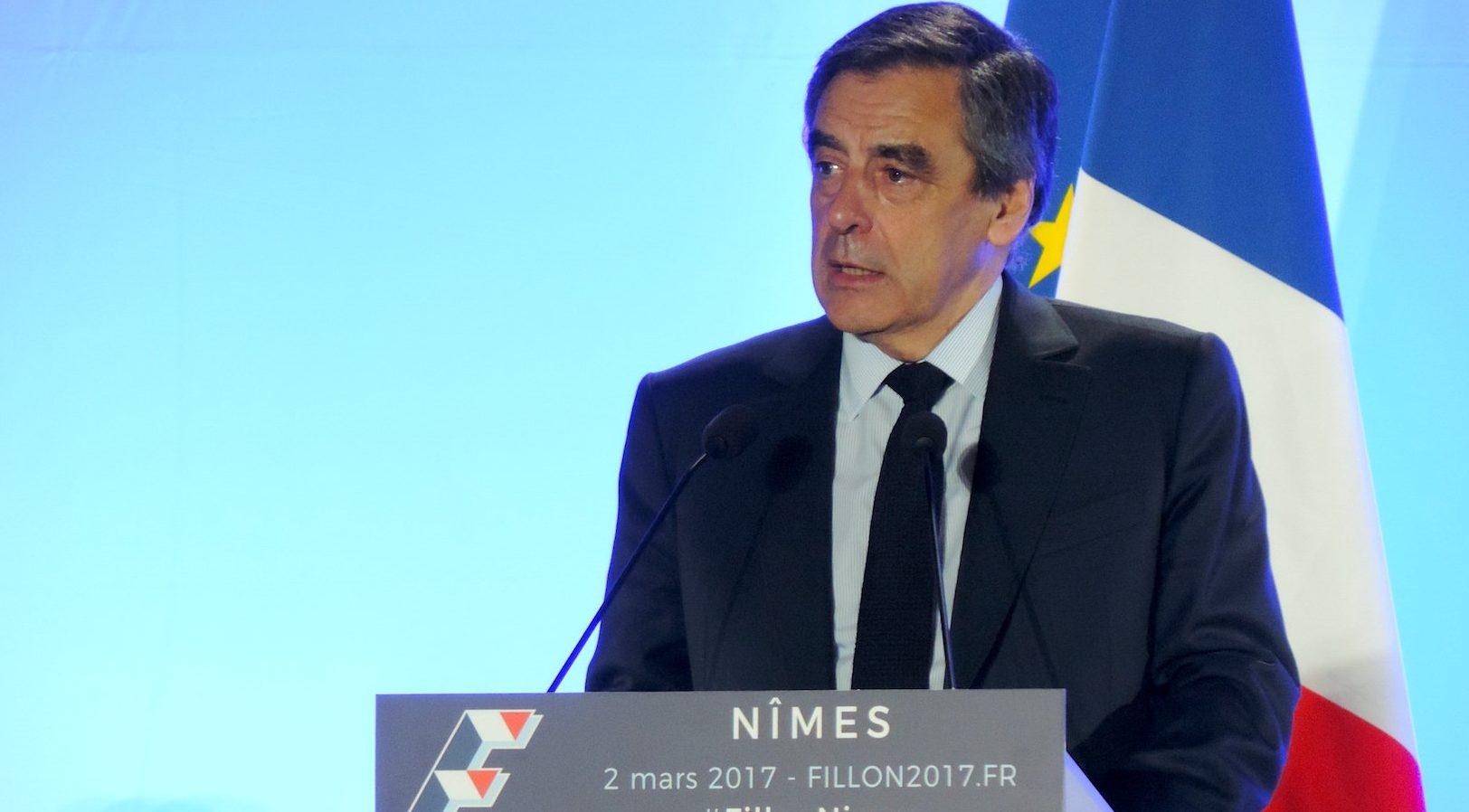 Photo of MEETING À Nîmes, François Fillon se pose en « combattant »