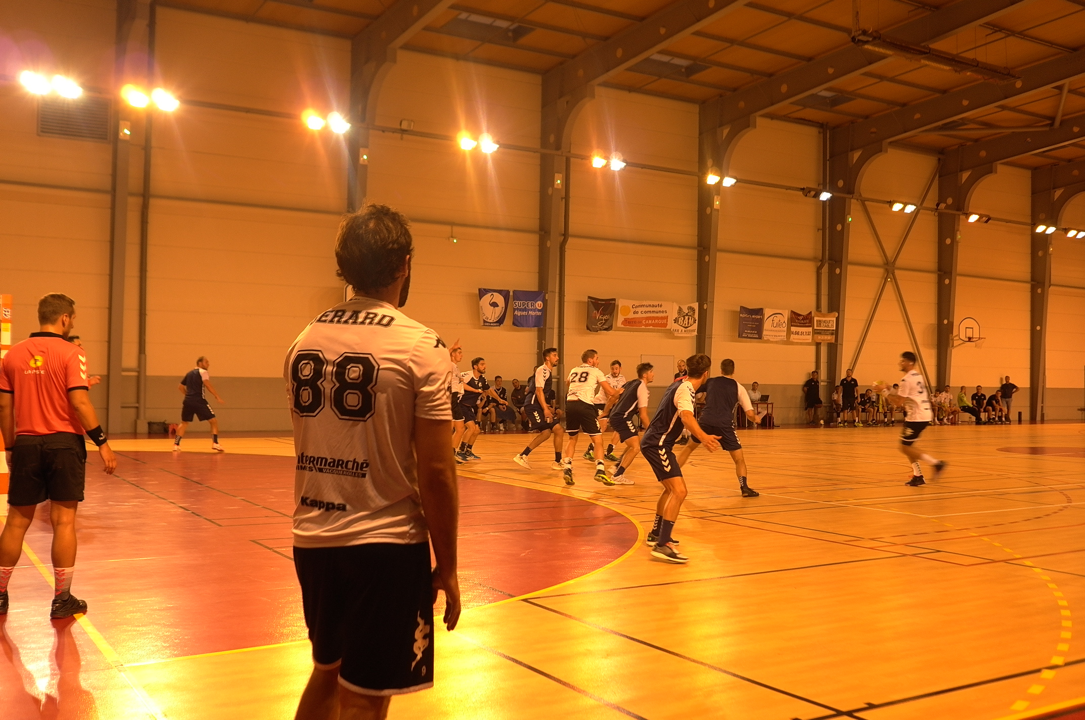 AIGUES-MORTES Handball : nette victoire de l'USAM en match amical contre Massy