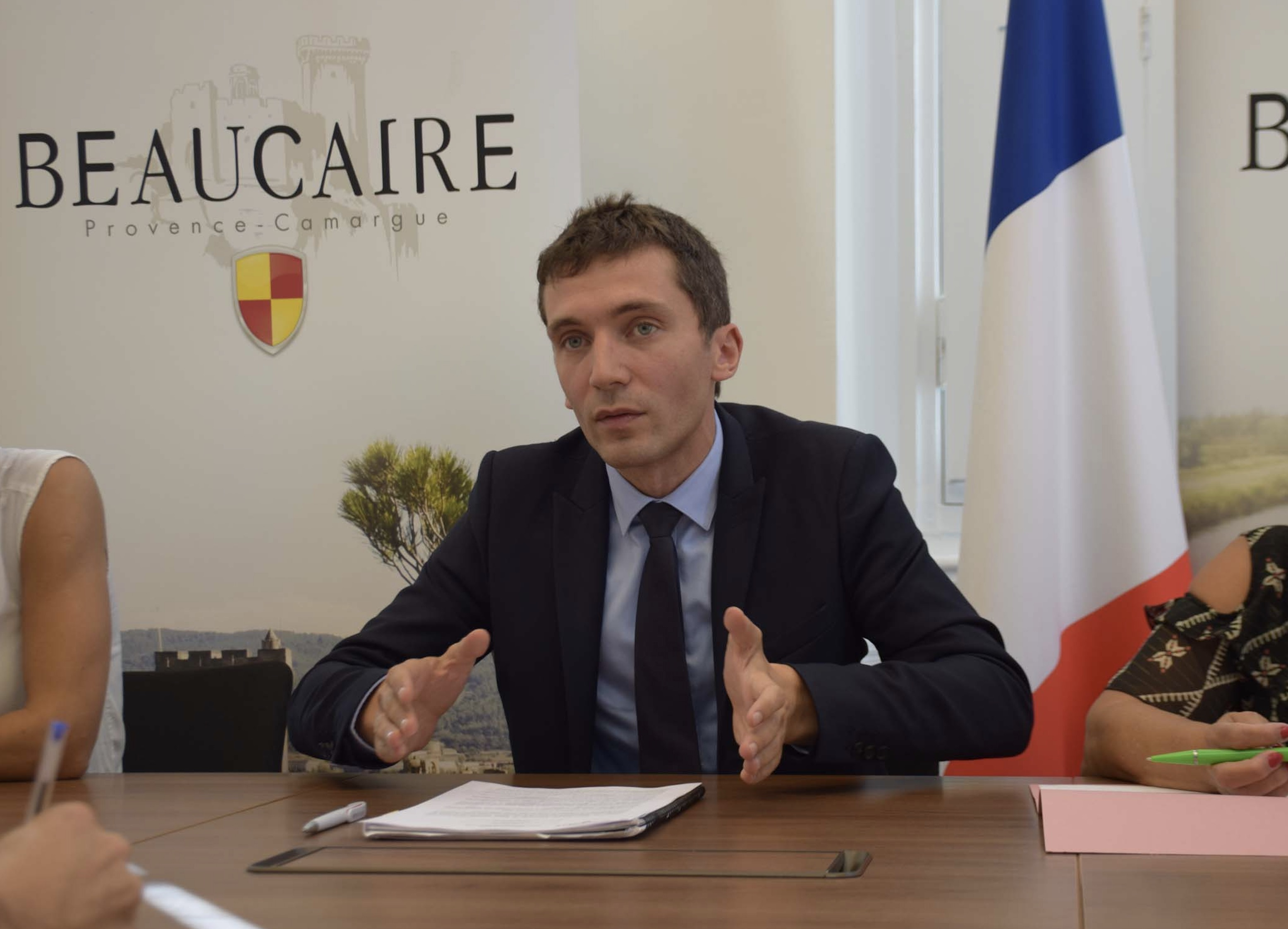 Photo of BEAUCAIRE Condamné pour avoir traité le maire de « sale raciste »