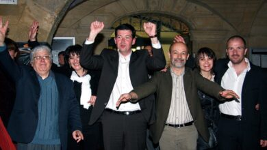 Photo of SOIR DE VICTOIRE En 2008, l'outsider Jean-Christian Rey remporte Bagnols