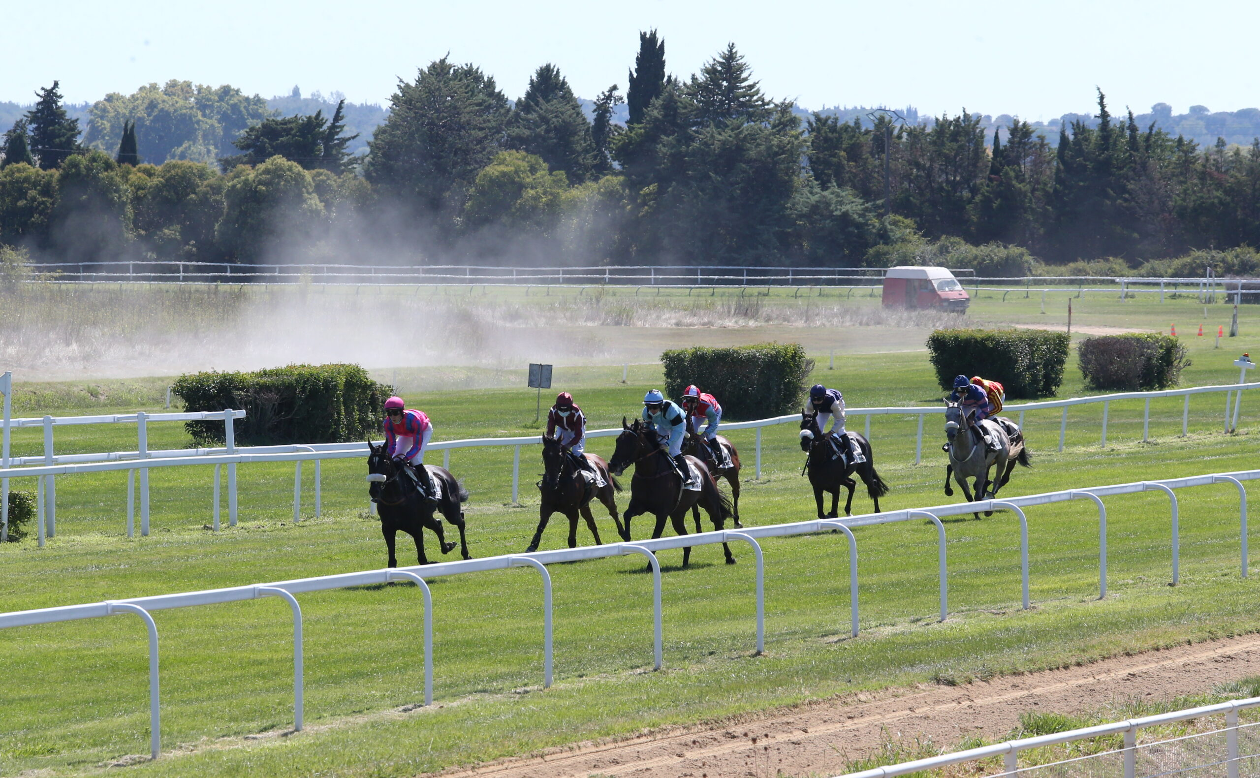 COMPETITION GAME Prevail your seats for the October 9 race on the Nîmes racecourse