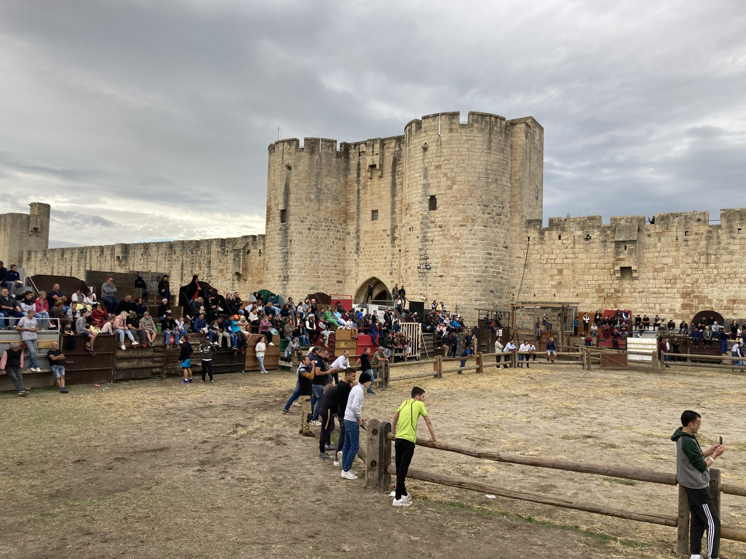 AIGUES-MORTES A day of votive celebration in photographs